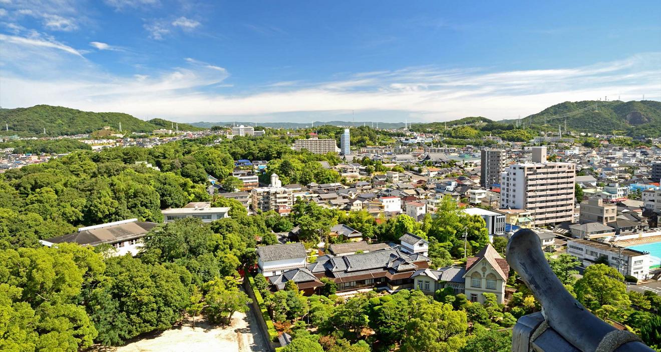 福山不動産販売は、地元・福山に根ざした、家族の想いを大切にする工務店です。